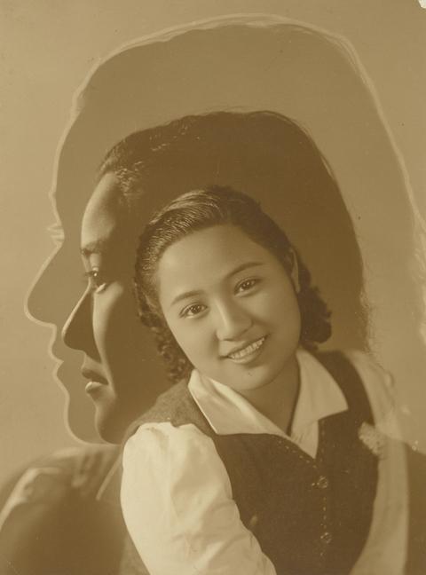 典藏圖片 - 三重曝光女子肖像